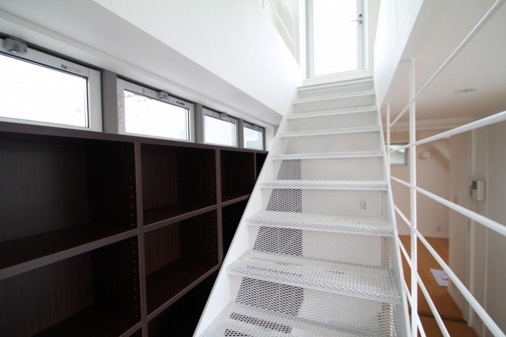 風が吹いていない時でも、なぜか風通しがよい間取りの家 (階段は風の抜けどころ)