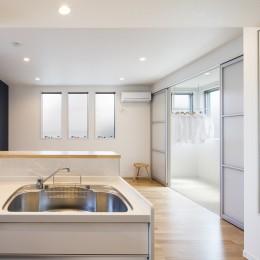 風通しの良さを、マンションリノベーションで実現した家 (風通しのよいリビング)