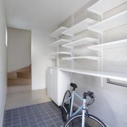 土間空間は見える収納で、使い勝手のよい家 (見せる収納+土間空間)