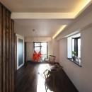 収納でゆるやかに仕切るワンルームの暮らし ~中村区O様邸~の写真 間接照明