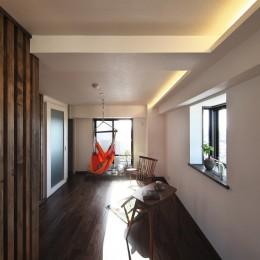 収納でゆるやかに仕切るワンルームの暮らし ~中村区O様邸~ (間接照明)