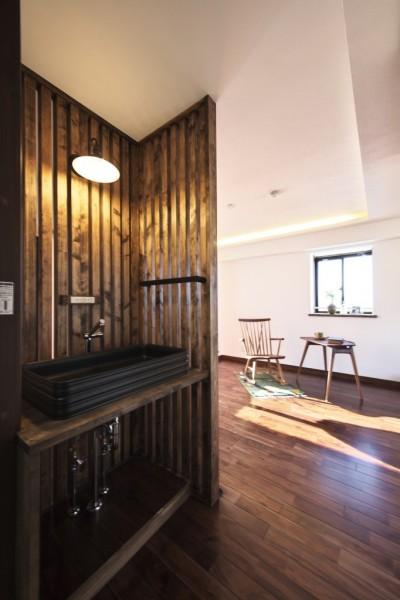 洗面スペース (収納でゆるやかに仕切るワンルームの暮らし ~中村区O様邸~)