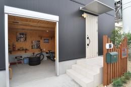 南平の家 (玄関)