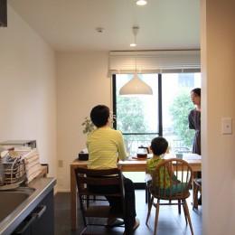 ナチュラルモダンに生まれ変わる(栄区 戸建てリノベーション) (ダイニングキッチン)