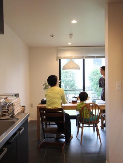 ダイニングキッチン (ナチュラルモダンに生まれ変わる(栄区 戸建てリノベーション))