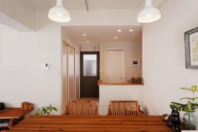ダイニング キッチン (光と風が通りぬける住まい 〜マンション断熱性能UP!!〜)