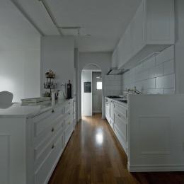 既存のキッチンをクラシックなデザインに。
