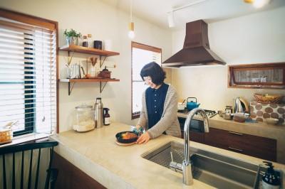 モールテックスを使用したキッチン (kvalitet)