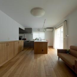 大胆な間取り変更で動線を暮らしやすく整理 (家事のしやすい大きなキッチン)