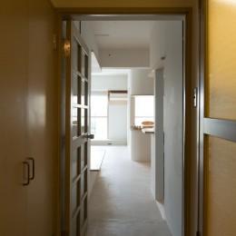 room ∩ rooms ― マンションリノベーション (廊下)