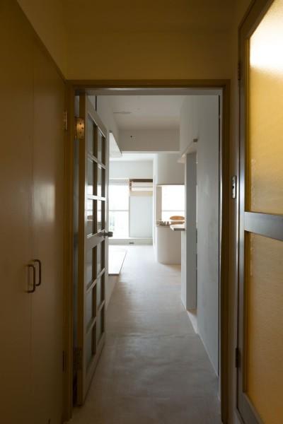 廊下 (room ∩ rooms ― マンションリノベーション)
