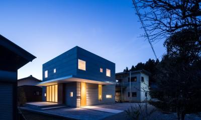 外観(夕景)|米原の家