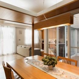 リノベーション・リフォーム会社 東急ホームズのまるごとリフォームの住宅事例「隅々まで陽射しが行きわたる 開放感たっぷりの寛ぎリビング」