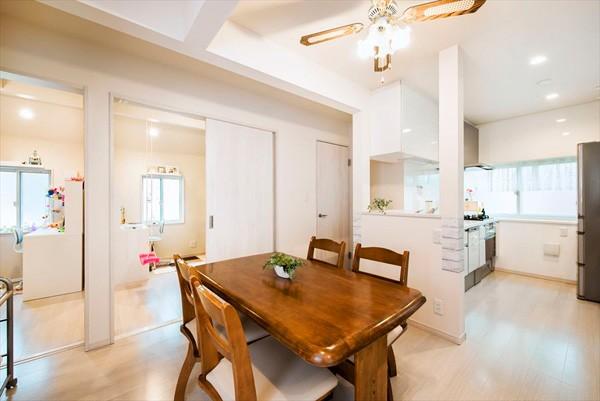 程よい距離感で過ごせる、二世帯住宅に『まるごと再生』 (【2階LDK】)
