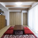 緑が繋ぐ二世帯の家の写真 和室