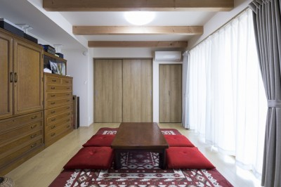 和室 (緑が繋ぐ二世帯の家)
