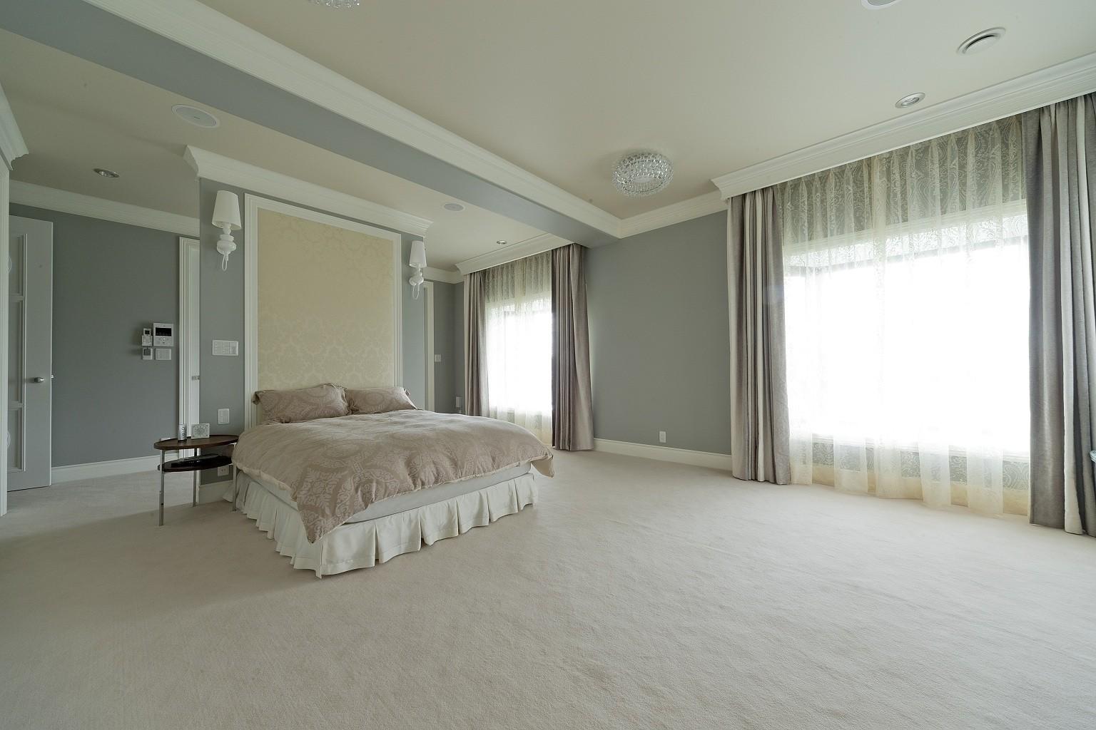 ホテルライクなベッドルーム (ホテルライクなベッドルーム)