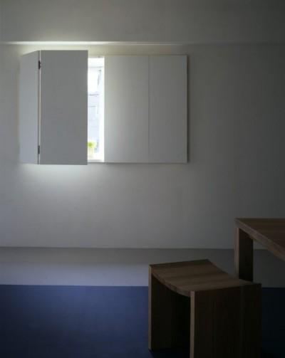 tsujioka house (ダイニングの窓)