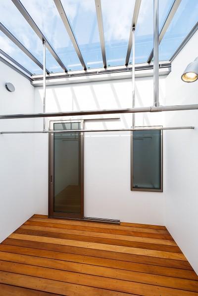 haus-flow 洗濯室 (haus-flow/地域のオアシスとしての平屋中庭付き住宅)