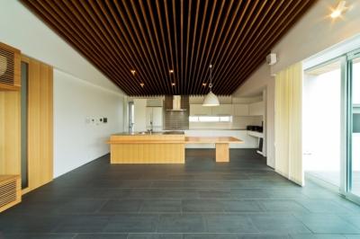 高松の家 (キッチン)
