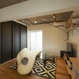 躯体を活かしたソリッドな空間。建築家夫妻が描く理想の住まい。