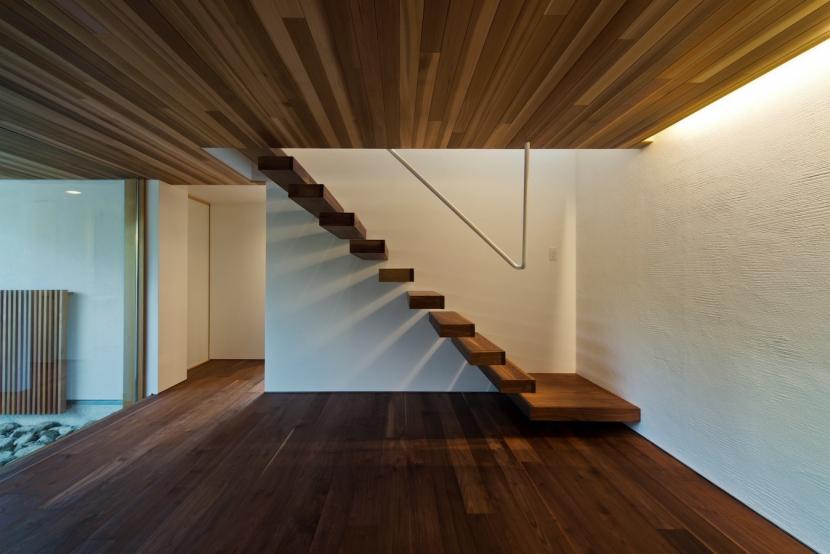 高松の家の部屋 階段