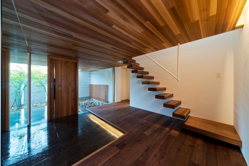 高松の家の部屋 玄関