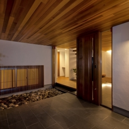 高松の家 (玄関)