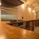 港町を感じる横浜のヴィンテージマンションリノベの写真 ぐるっと回ってキッチンへ