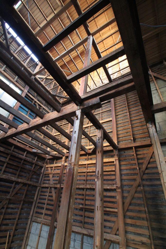 畳とフローリング、リノベーションで見落としてしまいがちな、意外な盲点。リフォームの心得。和室・畳の部屋は使いよう。子供と大人、両方に良い 使い勝手の部屋。 (スケルトン・リフォーム中の木造3階建て)