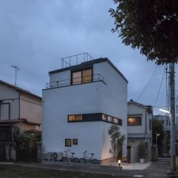 ハコノオウチ10 大窓の家 (外観夜景)