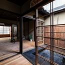 昭和小路の長屋 賃貸向け京町家のシンプルリノベーション【京都市】の写真 みせの間から居間を見る