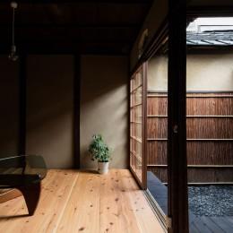 建築家 山本嘉寛の住宅事例「昭和小路の長屋|賃貸向け京町家のシンプルリノベーション」