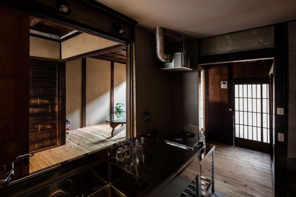 昭和小路の長屋|賃貸向け京町家のシンプルリノベーション【京都市】 (キッチン)