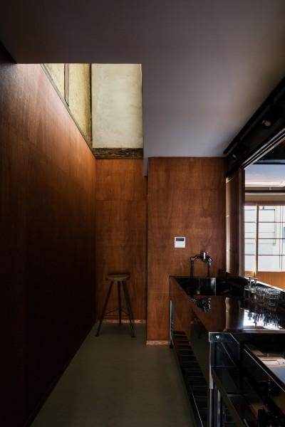キッチン (昭和小路の長屋|賃貸向け京町家のシンプルリノベーション【京都市】)