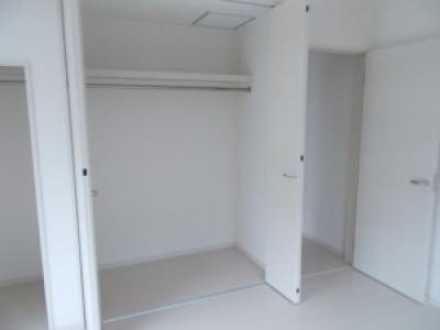 クローゼット (中・六本松N様邸~まるで新築くん~)