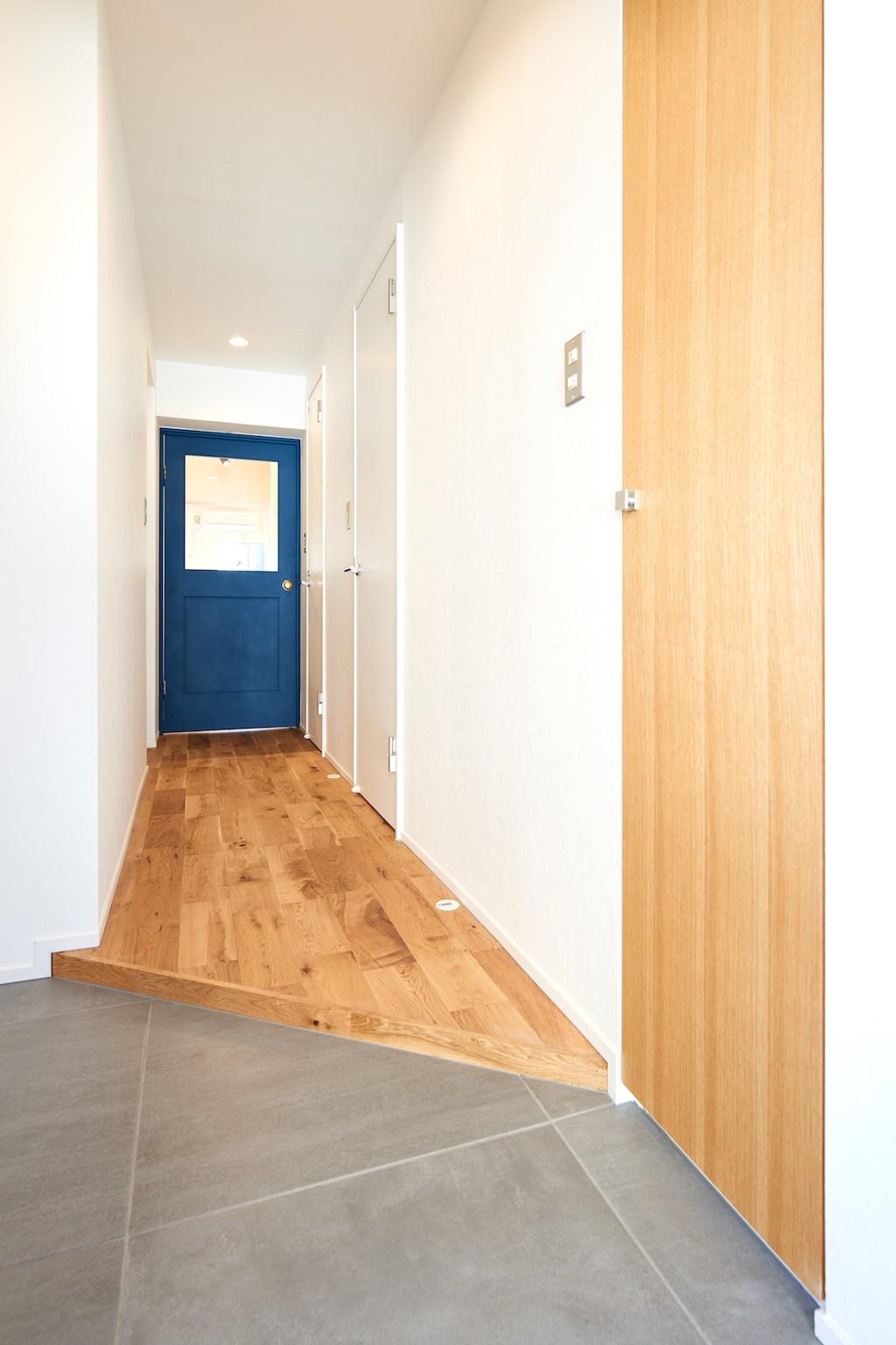 玄関事例:玄関(温もり溢れるとんがりのお家)