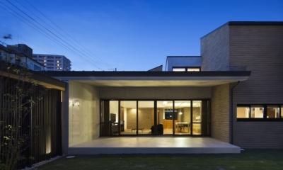 鶴見の家 (中庭)