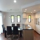 茅ヶ崎市K様邸 シックな装いの省エネルギーハウスにリノベーションの写真 朝から日差しが心地よいダイニングルーム