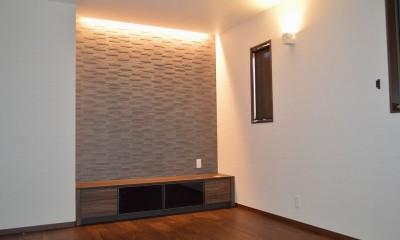 2階のリビングは心安らぐ空間に|茅ヶ崎市K様邸 シックな装いの省エネルギーハウスにリノベーション