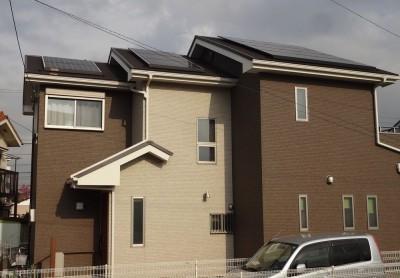 太陽光発電の設置と、断熱性の高いサイディングで省エネルギー住宅に (茅ヶ崎市K様邸 シックな装いの省エネルギーハウスにリノベーション)