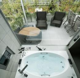 高輪台の家 (ジャグジー浴槽)