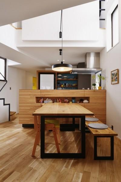 造作キッチンカウンター (遊び心とこだわりでワクワクがいっぱいの家)