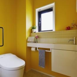 遊び心とこだわりでワクワクがいっぱいの家 (トイレ)