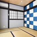 木の風合いにブルーを添えての写真 和室