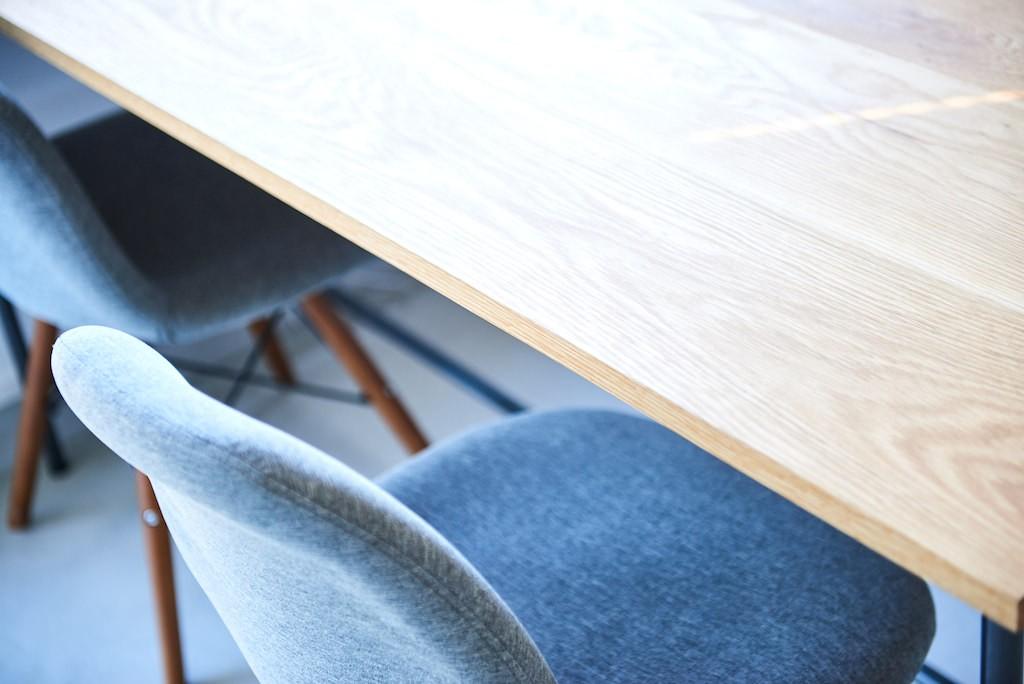 書斎事例:ワークスペース(木の温もり溢れる上質な住まい)