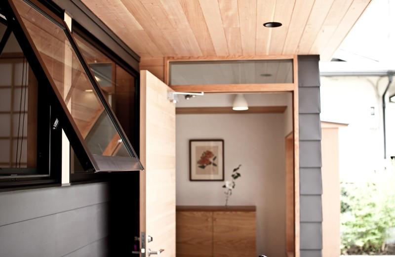 IThouse (玄関)