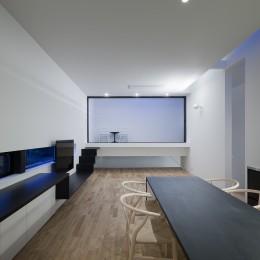 インナーバルコニーのある家 OUCHI-25 (インナーバルコニーのある居間)