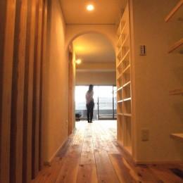 Edelweiss renovation 〜 ふたり暮らしのリノベーション 〜 (玄関ホールからリビング01)