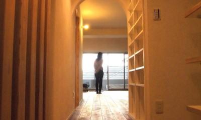 玄関ホールからリビング01|Edelweiss renovation 〜 ふたり暮らしのリノベーション 〜